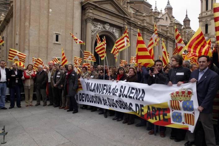 Manifestación en la plaza del Pilar 2010